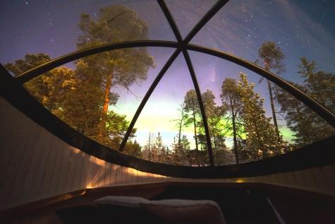 A Night In An Aurora Bubble