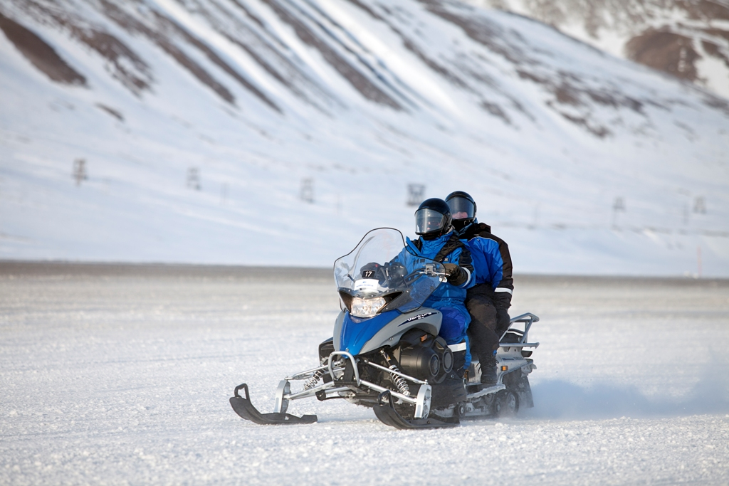 Snowmobile Safari Spitsbergen
